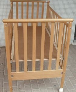 מיטת תינוק בבה שלישיה