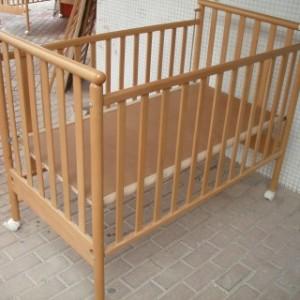 מיטת תינוק בבה שלישיה1
