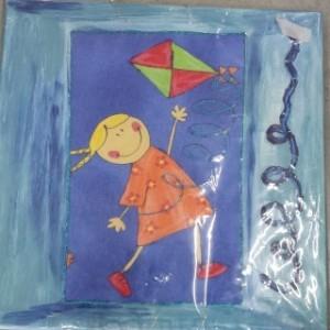 תמונת ילדה עם עפיפון