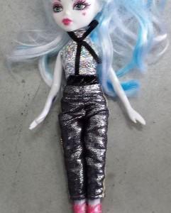 בובת בראץ שיער כחול לבן