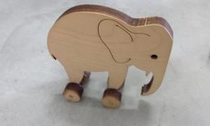 פיל על גלגלים אפרת