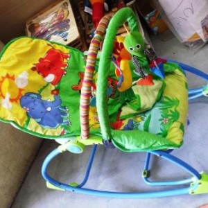 trampolina-fisherprice-riki