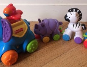Fisher-Price Amazing Animals Press and Go