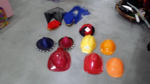תחפושות כובעים 1